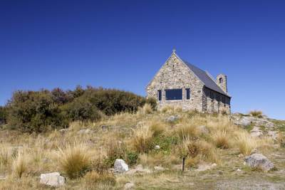 Church of the Good Shepherd on Pioneer Drive next to lake Tekapo, built in 1935 as a memorial to Mackenzie Country pioneers on South Island New Zealand